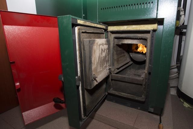 kotol-na-biomasu